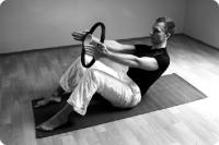 pilates_clinic_daniel_muller_magic_circle_roll_up